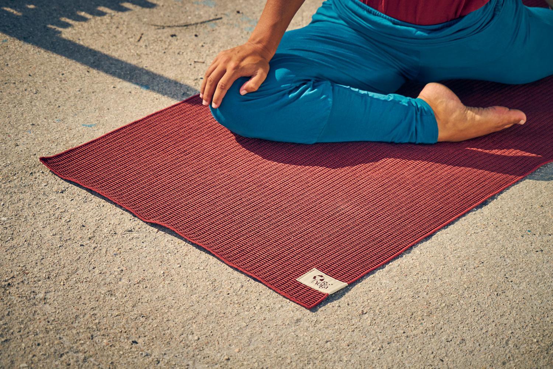 tappetino yoga microfibra di bamboo towel grippy boo reyoga