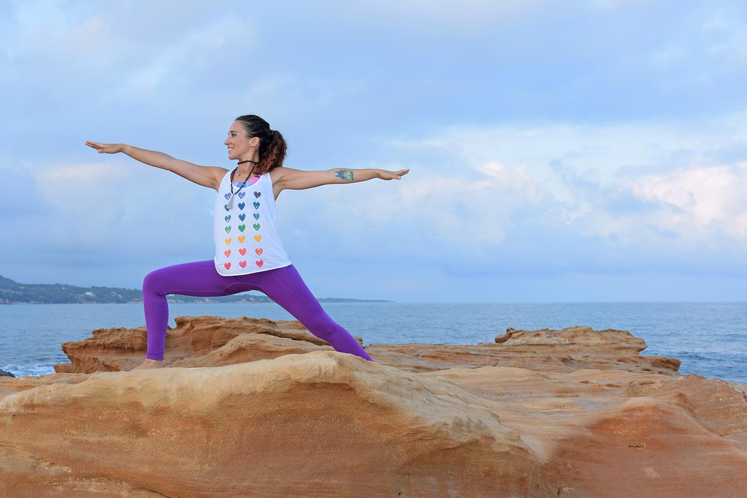 amore la scimmia yoga