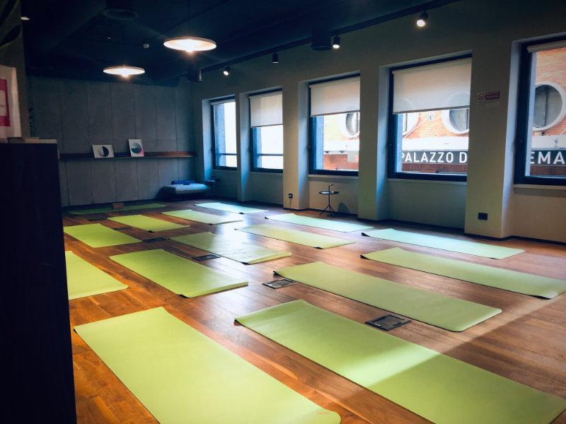 tappetini yoga per le aziende